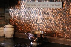 Here& our 2 cents. for an easy diy penny stove backsplash! Pennies are a beautiful medium of copper tones. They& also a rather inexpensive way Stove Backsplash, Penny Backsplash, Copper Backsplash, Penny Tile, Herringbone Backsplash, Backsplash Ideas, Kitchen Backsplash Diy, Penny Countertop, Copper Splashback Kitchen