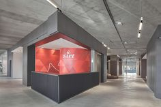 2017 SIRT Torino/Italy Wall covering: Laminam 3+ Design: GOODFOR (Arch. M. Luciano Arch. G. Alladio) Tredi, Carbonio Various Sizes