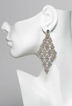 Multi drop earring features:• Rhinestones• Lead and Nickel free• Hypo allergenic posts