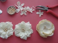 DIY (tutorial) hair flower accessory love the thought of using artificial flower petels
