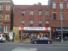 """<b>A lot of classic New York City spots <a href=""""http://www.buzzfeed.com/perpetua/classic-nyc-spots-that-closed-forever-in-2014"""">might be disappearing</a>, but you can still go to these distinctive shops, bars, and restaurants.</b> For now, anyway."""