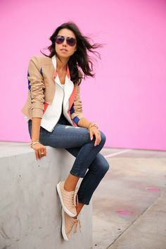 Denim overalls kind of a day vivaluxury Fashion 101, Autumn Fashion, Girl Fashion, Fashion Outfits, Womens Fashion, Fashion Trends, Street Fashion, Casual Chique, Classy Casual