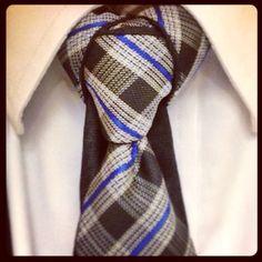 Cape Knot reversible tie