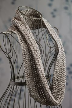 Balls to the Walls Knits: I Dream of Beaches Cowl