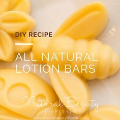 Steps for making homemade all natural lotion bars. This DIY recipe is from Welln… Steps for making homemade all natural lotion bars. This DIY recipe is from Wellness Mama. The body lotion bars have a honey and cocoa scent! Homemade Face Lotion, Diy Lotion, Hand Lotion, Lotion Bars, Lotion En Barre, Diy Beauty Face, Beauty Bar, Beauty Makeup, Honey Shampoo