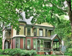 Victorian Painted Lady | photo