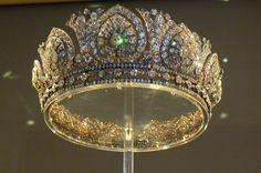 تيجان ملكية  امبراطورية فاخرة 66a4f90ad788f40c387f2a267560c400