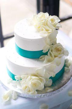 Teal & white wedding cake :: Simple wedding cake design