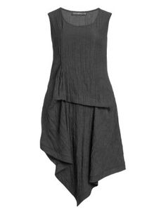 Longtop with handkerchief hem in creased in Anthracite designed by Champagne to find in Category Tops at navabi.de