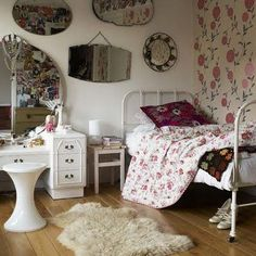 Distressed vintage girls room.....love the wallpaper!