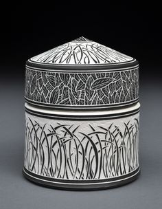 Becky and Steve Lloyd long grasses sgraffito jar. Use as an example of sgraffito method Ceramic Boxes, Ceramic Jars, Glass Ceramic, Ceramic Clay, Ceramic Pottery, Pottery Art, Sgraffito, Vases, Ceramic Techniques