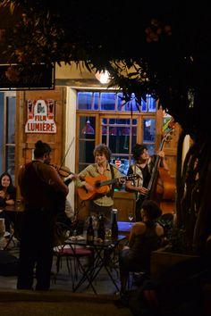 Musica in strada a Moustier Sainte Marie