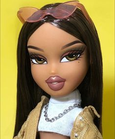This is what today's makeup trends looks like. Except eyebrows are bigger. Looks stupid. Bratz Doll Makeup, Bratz Doll Outfits, Red Aesthetic Grunge, Bad Girl Aesthetic, Aesthetic Vintage, Aesthetic Dark, Makeup Aesthetic, Rainbow Aesthetic, Maquillage Halloween