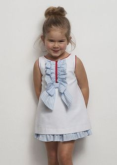 56 trendy ideas for moda infantil bebe verano Little Dresses, Little Girl Dresses, Girls Dresses, Toddler Dress, Baby Dress, Little Girl Fashion, Kids Fashion, Kids Frocks, Baby Sewing
