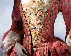 Stomacher, mid 18th century | brief history of stomachers