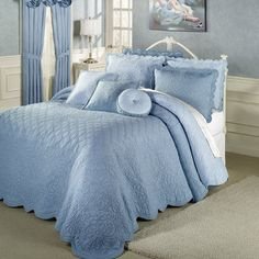The reversible Evermore Powder Blue Grande Bedspread gives you two looks in one. Blue Bedroom, Kids Bedroom, Bedroom Decor, White Bedrooms, Bedroom Ideas, Master Bedroom, Blue Bedspread, Bleu Pale, French Country Bedrooms