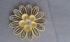 Quilling Design Antonia - Pandant Quilling Work, Quilling Jewelry, Quilling Craft, Quilling Flowers, Quilling Designs, Paper Quilling, Quilling Techniques, Beautiful Flowers, Hobbies