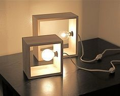 Simple Modern Box Lamp Minimalist Lighting Wood Wooden Square Wall Sconce Accent Table Lamp Library Shelf Lighting Modernist Style Lamps - even cooler with Edison bulbs Diy Luz, Luminaria Diy, Deco Luminaire, Diy Casa, Creation Deco, Wooden Lamp, Minimalist Decor, Minimalist Bedroom, Minimalist Kitchen