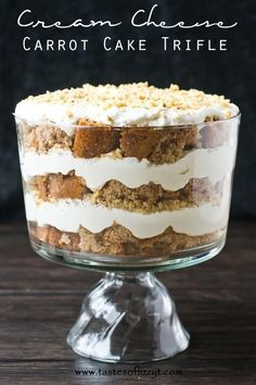 I found the most delicious looking dessert! My mouth is watering just looking at this cream cheese carrot cake trifle from Tastes of Lizzy T! This tasty trifle is simple to make and is perfect for feeding a lot of. Dessert Simple, Bbq Dessert, Oreo Dessert, Brownie Desserts, Trifle Desserts, Dessert Recipes, Chef Recipes, Trifle Bowl Recipes, Dessert Trifles