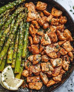 Garlic Butter Chicken Bites and Lemon Asparagus – – So much flavor and so easy to throw together, this chicken and asparagus recipe is a winner for dinnertime! – by More from my siteThis Soup Recipes is so flavorful. Grilled Asparagus Recipes, Lemon Asparagus, Chicken Asparagus, Keto Recipes, Dinner Recipes, Healthy Recipes, Dessert Recipes, Healthy Foods, Low Carb Menu