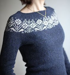 Ravelry: LeaK72's Old Flowers #knitting #sweater