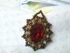Earring Tutorial: beaded bezel earrings with Swarovski cabochon and seed beads | Beading Tutorial
