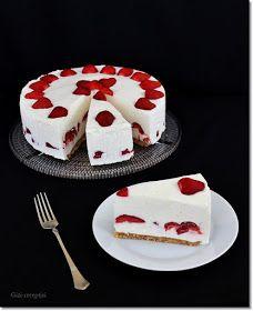 Gizi-receptjei. Várok mindenkit.: Fehér csokis-epres torta. (Sütés nélküli) Burlap Crafts, Cake Cookies, Yummy Treats, Panna Cotta, Deserts, Pudding, Baking, Breakfast, Ethnic Recipes