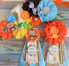 Blue Safari Jungle Flower Sash and Corsage Pin Set, Jungle Safari Baby Shower, Safari Flower Sash, Safari Corsage Pin, Safari Shower, Custom ❤ This Jungle Safari Sash & Pin Set were made especially for a Baby Shower or a Photo Prop. Details: * Maternity Sash: This has eight flowers