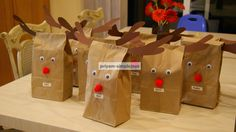SimpleJoys: Reindeer Gift/Favor Bags.