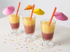 DIY-Anleitung: Schichtcocktail mit Orangensaft, Bananennektar und Cranberry-Sirup zubereiten via DaWanda.com