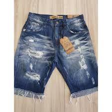 Resultado de imagem para bermuda jeans masculina rasgada Cute Coats, Boys Pants, Blue Jeans, Men's Jeans, My Wardrobe, Diy Clothes, Jean Shorts, Indigo, Bermuda Shorts