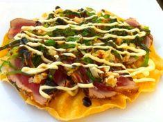 Papadums with tuna Lunch Snacks, Yummy Snacks, Yummy Food, Dim Sum, Fish Dishes, Tasty Dishes, Sushi Fish, Tapas Menu, Vegetarian Recipes