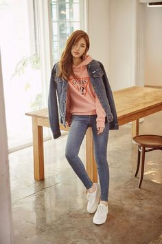 Suzy Guess jean The most beautiful photoshoot of Suzy Bae ever 263179171954822875 Korean Street Fashion, Asian Fashion, Girl Outfits, Casual Outfits, Fashion Outfits, Lia Kim, Kpop Fashion, Girl Fashion, Suzy Bae Fashion