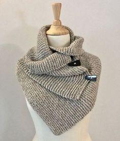 handwerkprojecten die ik in 2019 wil maken Diy Crochet And Knitting, Crochet Wool, Crochet Shawl, Easy Crochet, Free Knitting, Knitting Patterns, Crochet Patterns, Crochet Triangle, Needle Felting Tutorials