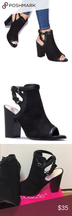 Black heeled sandals Black sandals with chunky heel. Shoe Dazzle Shoes Sandals