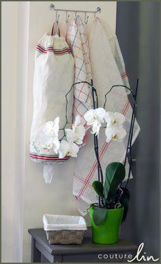 Coup de génie ou pure folie de Laurence à la lecture du Défi13, elle a eu l'idée d'utiliser un tissu torchon en 100% lin pour confectionner un sac à sacs indispensable à toute cuisine respectueuse de l'environnement   Article blog : http://www.couturelin-blog.com/sac-a-sacs-lin-defi13/2012/05/11/