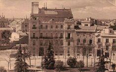 Casa-Palacio del Vizconde de Escoriaza finalizado en 1922, en la Plaza del Marqués de Salamanca, 2. Su fachada perteneció al Gran Hotel de Roma que se derribó al hacer la Gran Vía.