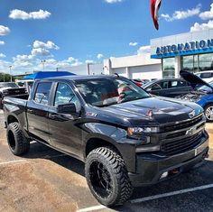 2019 Silverado Now it just needs some ADD 👌🏼🔥 Chevy Pickup Trucks, Lifted Ford Trucks, Gm Trucks, Chevrolet Trucks, Diesel Trucks, Z71 Truck, Chevy Silverado Z71, Chevy Pickups, Chevy Silverado Accessories