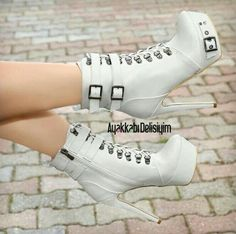 Harmony White Platform High Heels Boots – Ayakkabı Delisiyim – Join in the world of pin Sexy High Heels, Platform High Heels, High Heel Boots, Heeled Boots, Bootie Boots, Shoe Boots, Shoes Heels, Unique Shoes, Cute Shoes