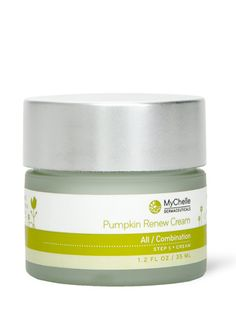 An awesome moisturizing cream. Love how light but concentrated it felt on my skin.