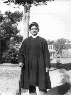 Swami Vivekananda south_pasadena-1900 Believed to be taken on Monterey Road, South Pasadena, California, January 1900.