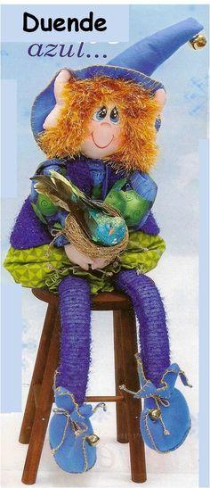 Patrón Duende Azul navideño Christmas Elf, Christmas Ornaments, Elves And Fairies, An Elf, Fabric Dolls, Jingle Bells, Teddy Bear, Diy, Crafty