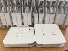 (Genuine Apple iPhone 7 & 7 Plus Lightning EarPods Headphones EarPhones Handsfree) Can be viewed at http://best-headphones-review.com/product/genuine-apple-iphone-7-7-plus-lightning-earpods-headphones-earphones-handsfree/  Genuine Apple iPhone 7 & 7 Plus Lightning EarPods Headphones EarPhones Handsfree   Condition: BRAND NEW   NO AUX ADAPTER INCLUDED*  No retail box packaging included*      Contact Us:  If for any reason you are not one hundred% satisfied with our produ