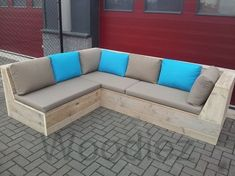 Pallet Ideas : Want to renovate your house with wooden pallet furniture? We're t Pallet Ideas : Want to renovate your house with wooden pallet furniture? Garden Sofa, Diy Patio Furniture, Teak Outdoor, Wooden Patio Furniture, Outdoor Furniture, Outdoor Furniture Plans, Pallet Garden Furniture, Pallet Furniture Outdoor, Deck Seating
