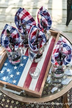 Easy 4th of July Outdoor Decorating Ideas | If you are looking for some DIY outdoor decorations for your Independence Day party, this list has lots of simple ideas for patriotic decor that look great and won't cost a lot. to make