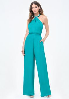 Twist Neck Halter Jumpsuit - Need-to-own halter jumpsuit with a chic twist neck and fabulous wide legs. New Fashion Clothes, Fashion Outfits, Trendy Outfits, Cool Outfits, Sewing Pants, Halter Jumpsuit, Vacation Dresses, Dress Codes, Lady