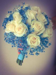 Ramo de novia con rosas wendela y paniculata azul. Wedding bouquet with roses