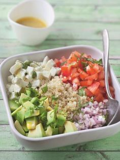 Quinoa salad with feta cheese - Zaloten - Salade Quinoa Salad Recipes, Raw Food Recipes, Vegetarian Recipes, Healthy Recipes, Vegetarian Burrito, Vegetarian Lifestyle, Quinoa Salat Feta, Healthy Cooking, Healthy Eating