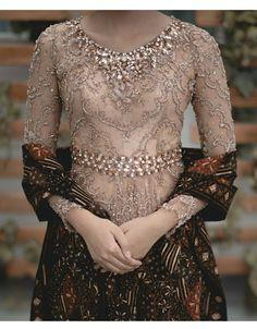 18 Ideas for embroidery designs fashion modern Kebaya Lace, Batik Kebaya, Kebaya Dress, Batik Dress, Lace Dress, Vera Kebaya, Dress Brokat Modern, Kebaya Modern Dress, Model Kebaya Brokat Modern