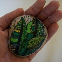 """Galet """"feuilles doodle"""" peint à la main, décoration intérieure"""
